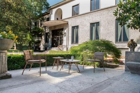 18_Villa Necchi Campiglio_Milano_ Il patio antistante la piscina_Collezione Lyze
