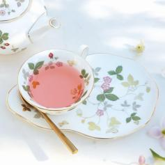Wild_Strawberry_Gold_LS_18 ©wedgwood
