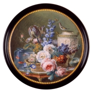 Gerard van Spaendonck, Snuffbox with Miniature of a Still Life with Flowers, 1755-1800, 9cm in diameter, tortoise and gouache ©Het Noordbrabants Museum, 's-Hertogenbosch